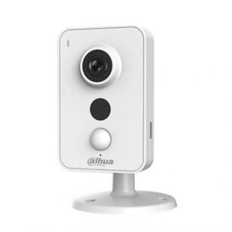 Cámara IP Wifi Dahua con sensor de alarma, 3 Mpx., gran angular de 95 grados, alcance IR 10m